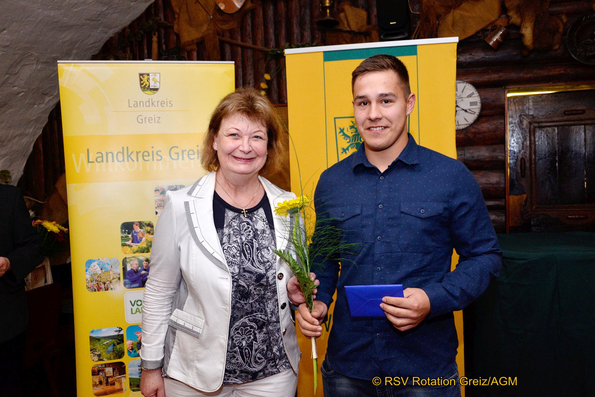 Johannes Krause gehörte zu den Ausgezeichneten der Meisterehrung des Sports, die am Freitag auf der Osterburg Weida durch Landrätin Martina Schweinsburg stattfand.