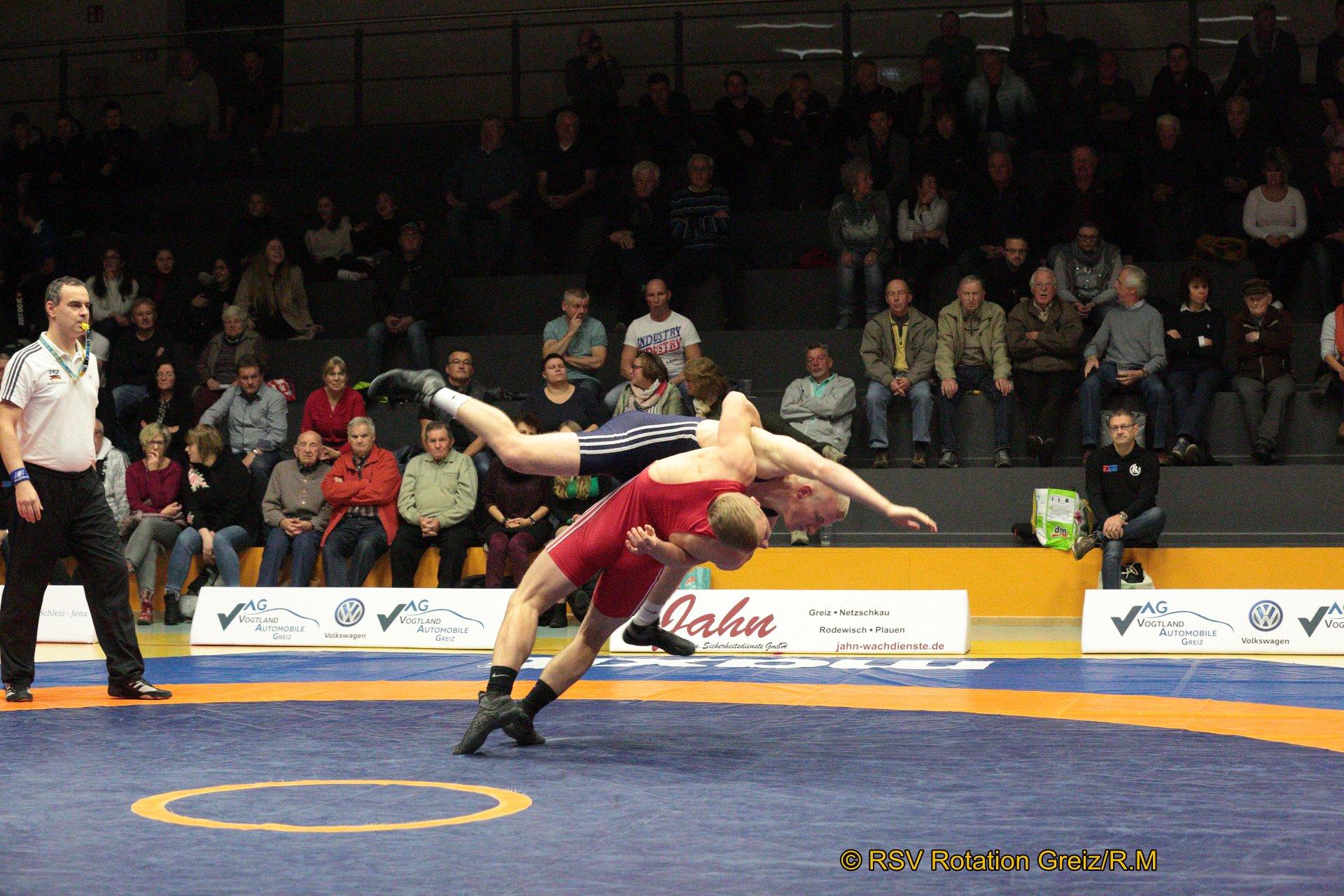 72kg Greco: Ron Watzek (rotes Trikot), RSV Rotation Greiz II gegen Felix Mende, AC 1990 Taucha 4:0/SS/4:0/00:35