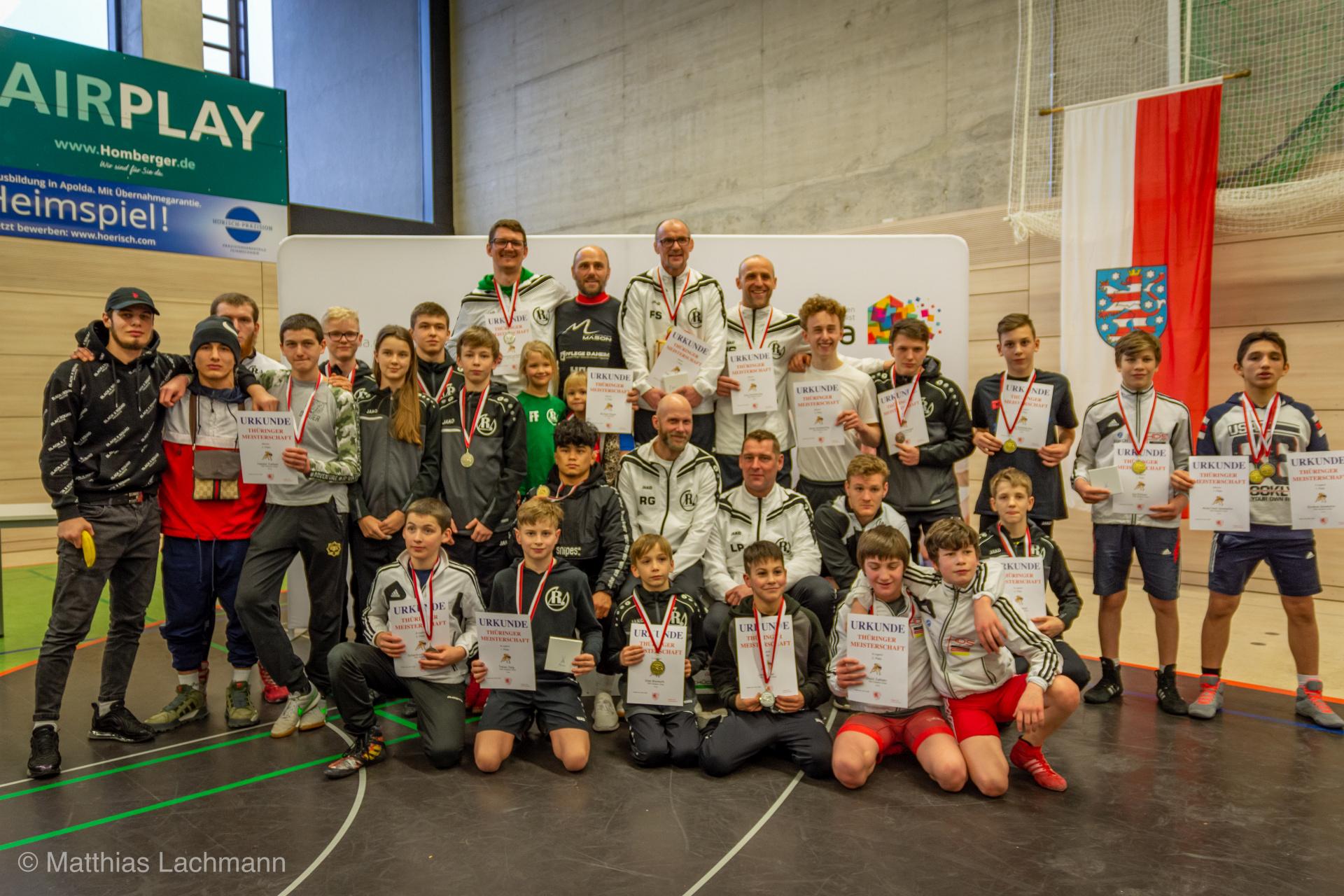 Auch bei den Thüringer Einzelmeisterschaften im freien Stil, die in Apolda ausgetragen wurden, lagen die Greizer Ringer vorn.